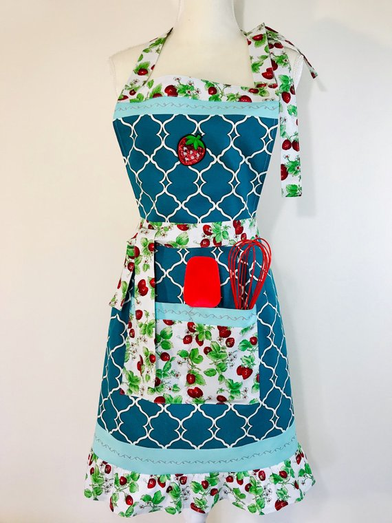 Handmade apron – Wipped Cream Strawberry