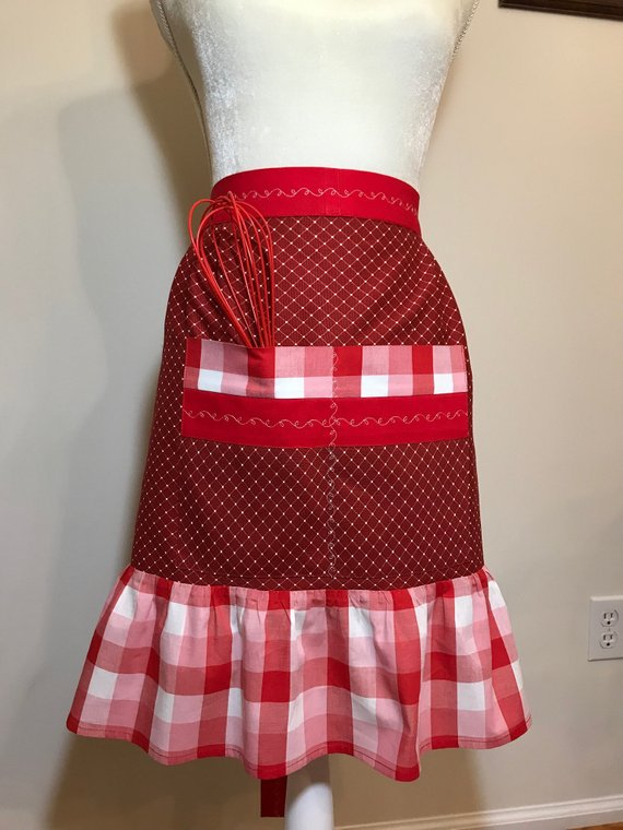 Vintage Retro Kitchen Apron for Valentine's Day Gift – Red and White Checkered