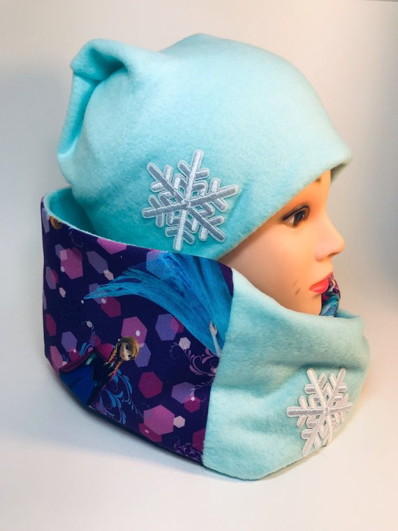 Handmade fleece beanie and scarf set – turquoise